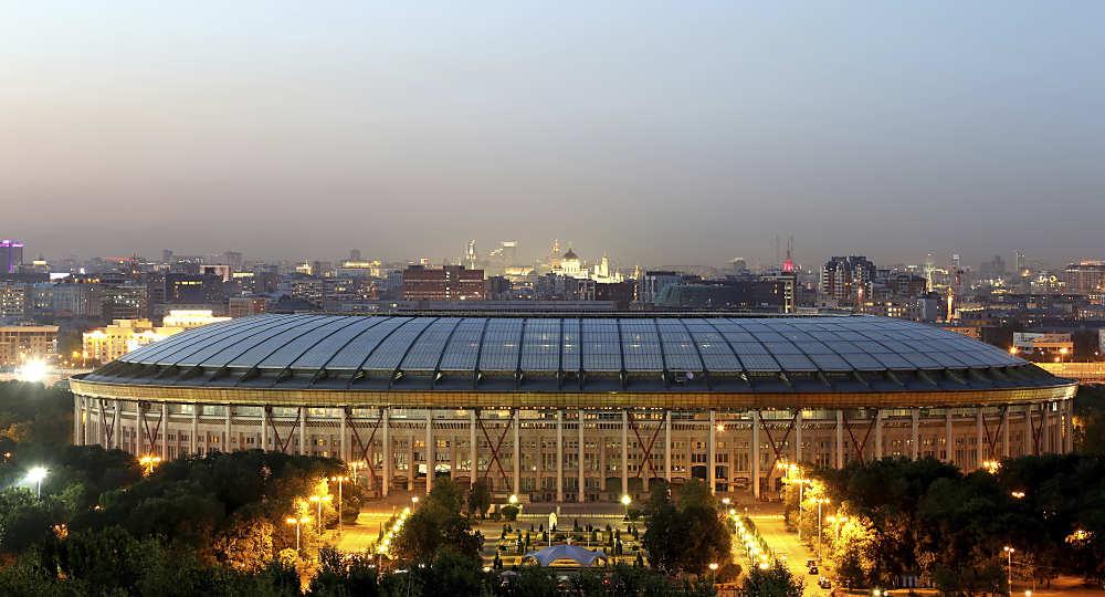 Das Luschniki Stadion in Moskau ist das Ziel aller 209 Teams die an der Qualifikation zur WM teilnehmen, hier wird am 15. Juli das Endspiel ausgetragen. Photo: Shutterstock.