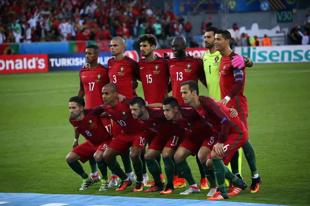 Die portugiesische Nationalmannschaft bei der Fußbal EM 2016 - am Ende Europameister 2016! (Marco Iacobucci EPP / Shutterstock.com)