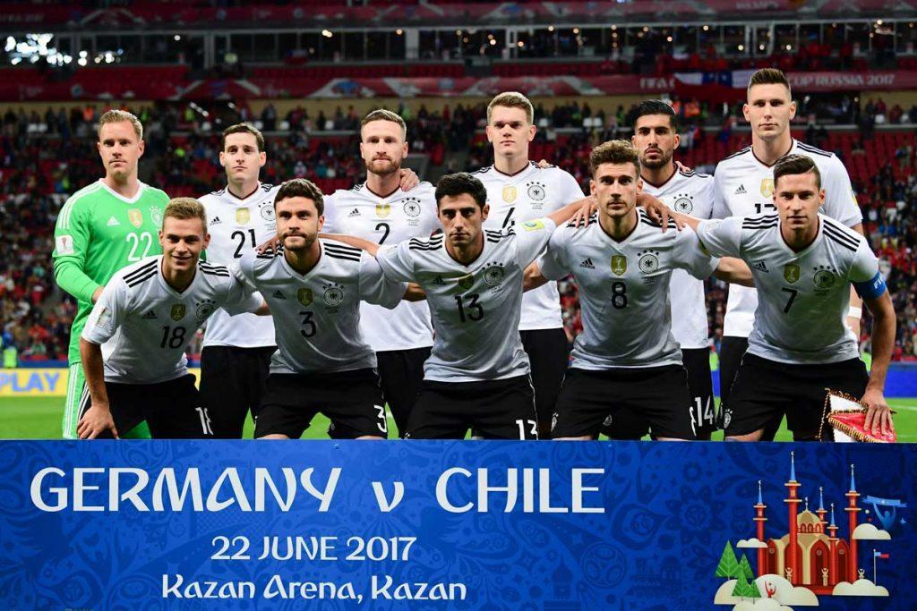 Die Startaufstellung beim Vorrundenspiel Deutschland gegen Chile - es endet 1:1 unentschieden. (Foto AFP)