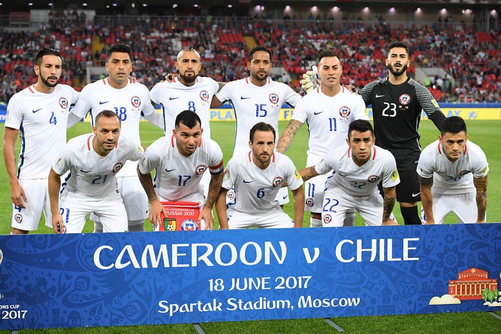 Die Nationalmannschaft von Chile beim 1.Gruppenspiel gegen Kamerun (Foto AFP)