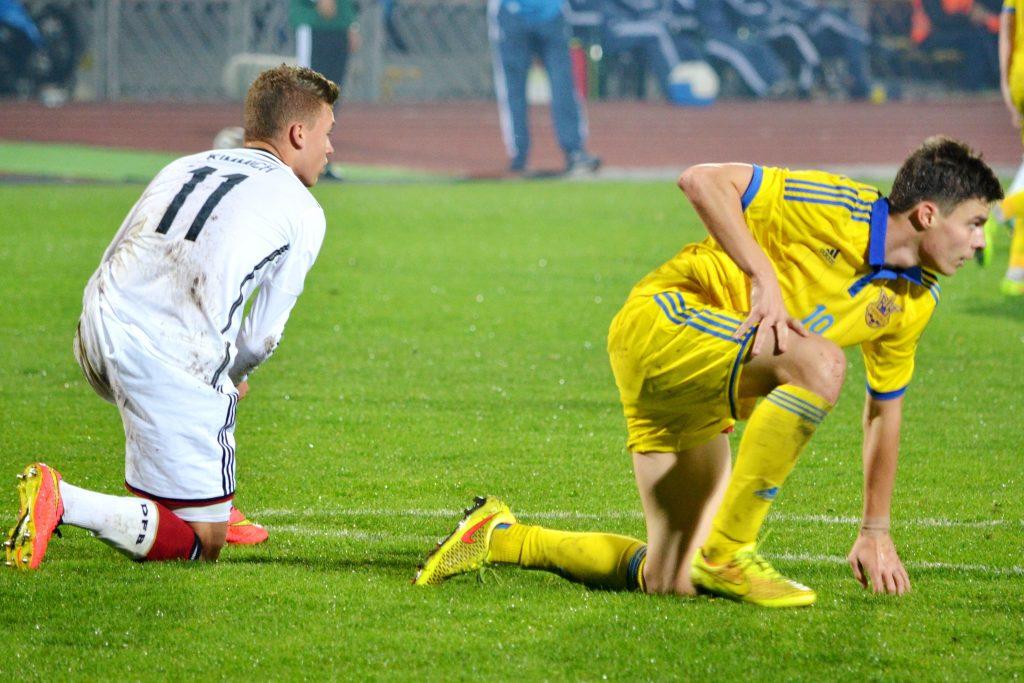 Joshua Kimmich (l.) möchte sich beim Confed-Cup 2017 in Russland für eine Rolle im dicht besetzten deutschen Mittelfeld empfehlen. Jogi Löw könnte seinen Platz jedoch eher in der Verteidigung sehen. Photo: Shutterstock.