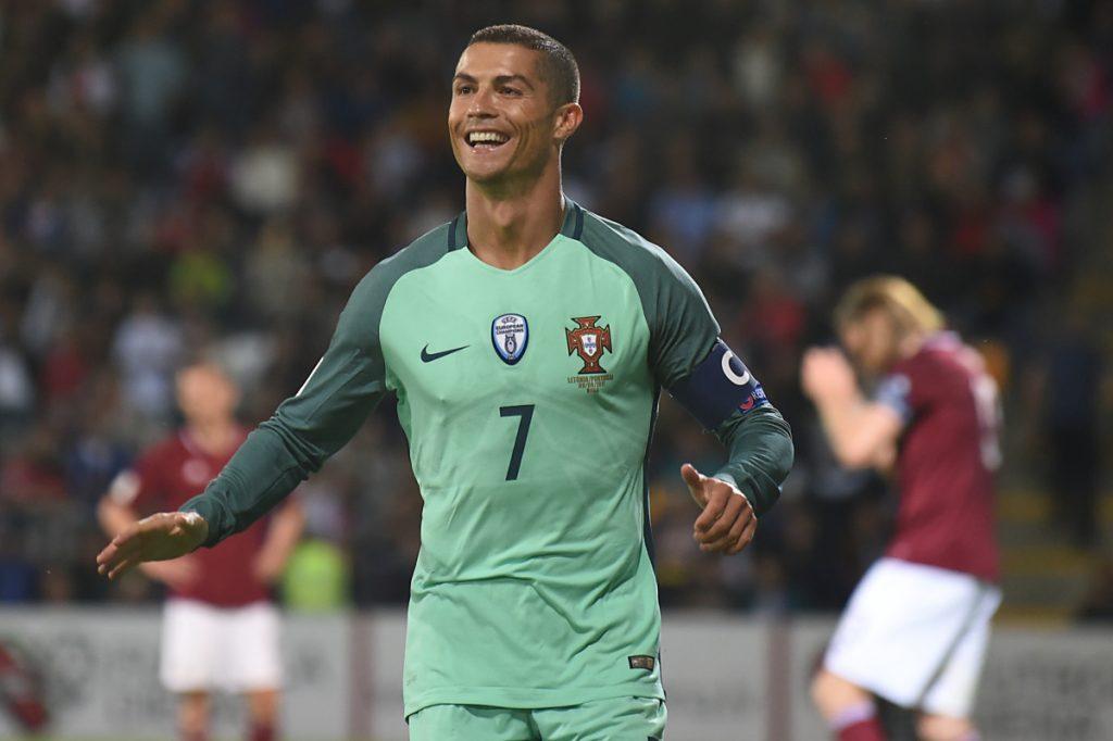 Immer nur Cristiano Ronaldo! Beim 3:0 trifft er erneut in der WM 2018 Qualifikation und erhöht nun auf elf Treffer! / AFP PHOTO / Janek SKARZYNSKI