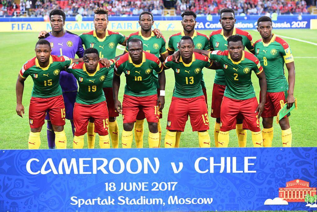 Die Nationalmannschaft von Kamerun beim 1.Gruppenspiel gegen Chile - das Spiel verliert der Afrikameister mit 0:2. (Foto AFP)